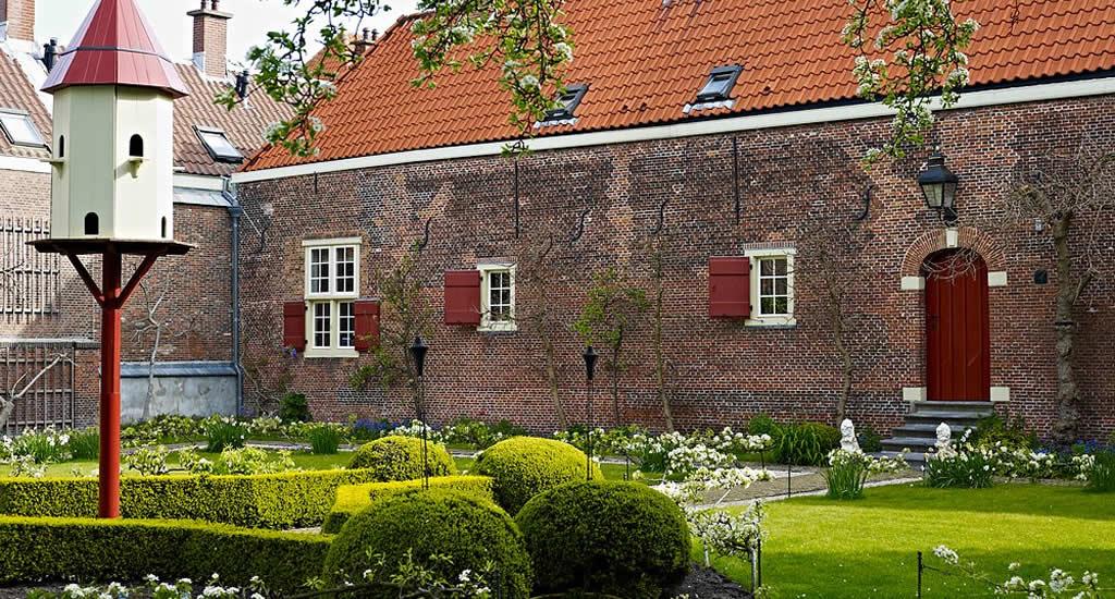 Bezienswaardigheden Den Haag: Haagse Hofjes (foto door Gemeente Den Haag/Piet Gispen) | Mooistestedentrips.nl