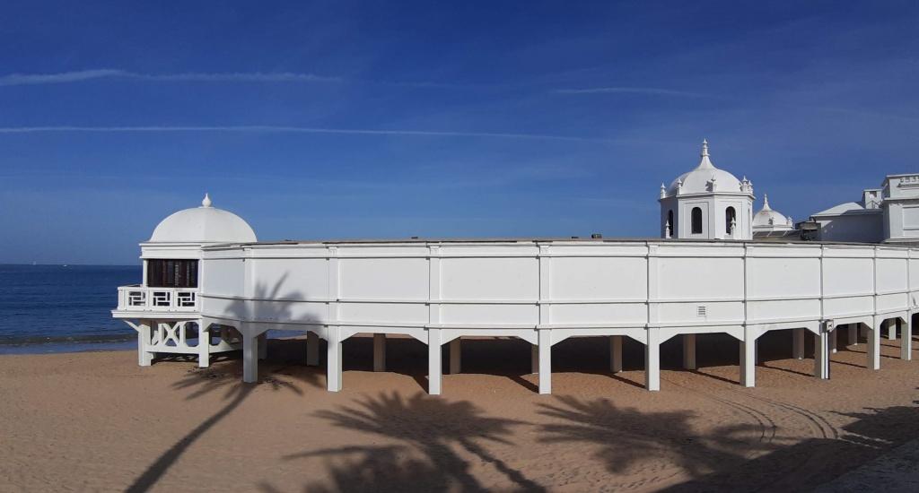 Strand Sevilla: Playa La Caleta, Cadíz | Mooistestedentrips.nl