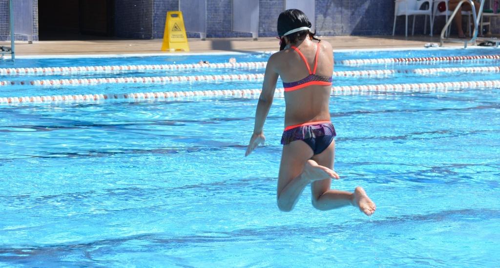 Zwemmen in Sevilla | Zwembad in Sevilla (foto met dank aan de Universiteit van Sevilla) | Mooistestedentrips.nl