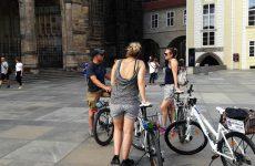 Fietsen in Praag: langs kastelen en paleizen | Mooistestedentrips.nl