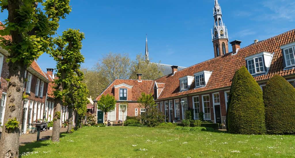 Wandelen langs de Hofjes van Groningen | Mooistestedentrips.nl