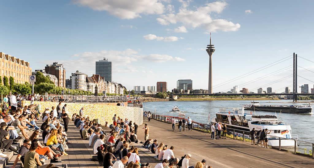 Bezienswaardigheden Düsseldorf: Rheinuferpromenade | Mooistestedentrips.nl