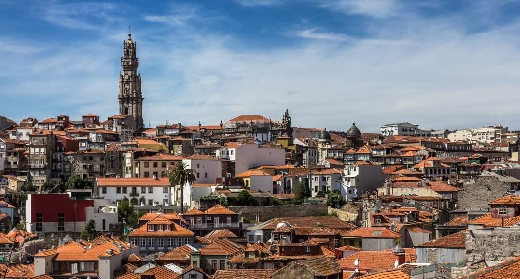Stedentrip Porto, bezoek Torre dos Clérigos   Mooistestedentrips.nl