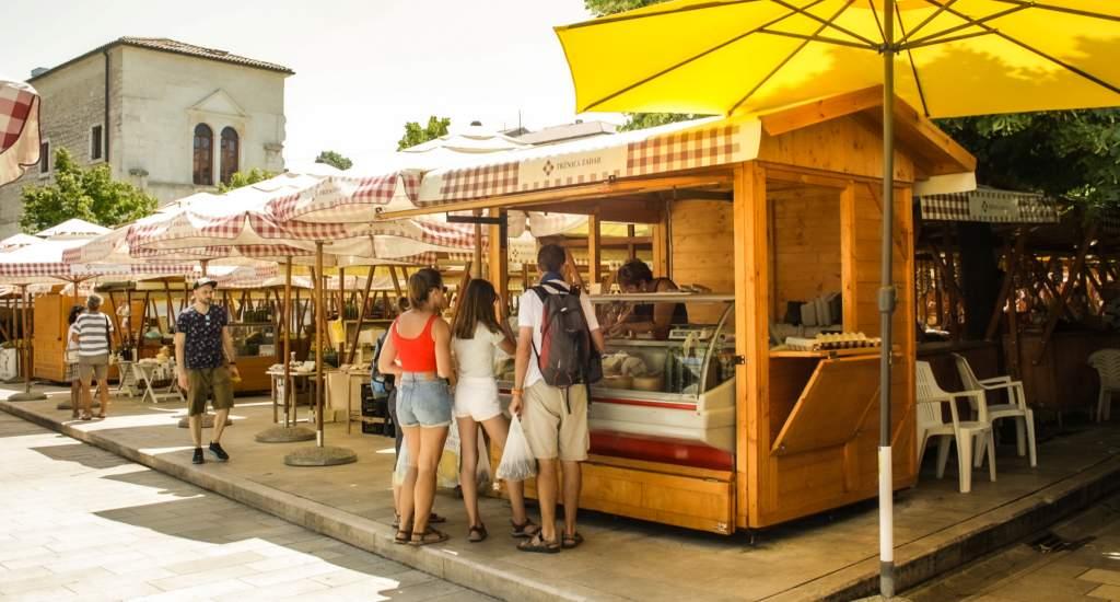 Zadar bezienswaardigheden: Markt van Zadar   Mooistestedentrips.nl