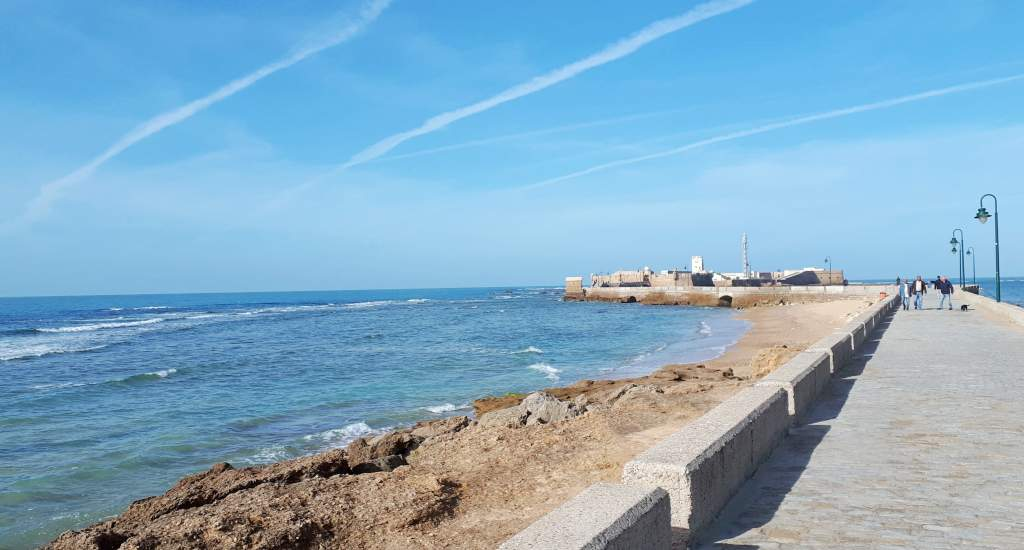 Strand Cadiz, Paseo Fernando Quiñones | Mooistestedentrips.nl